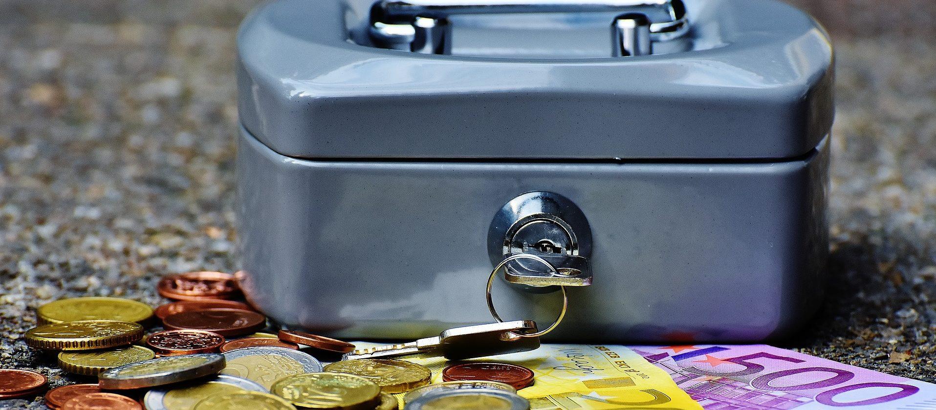 Geld und Geldkassette